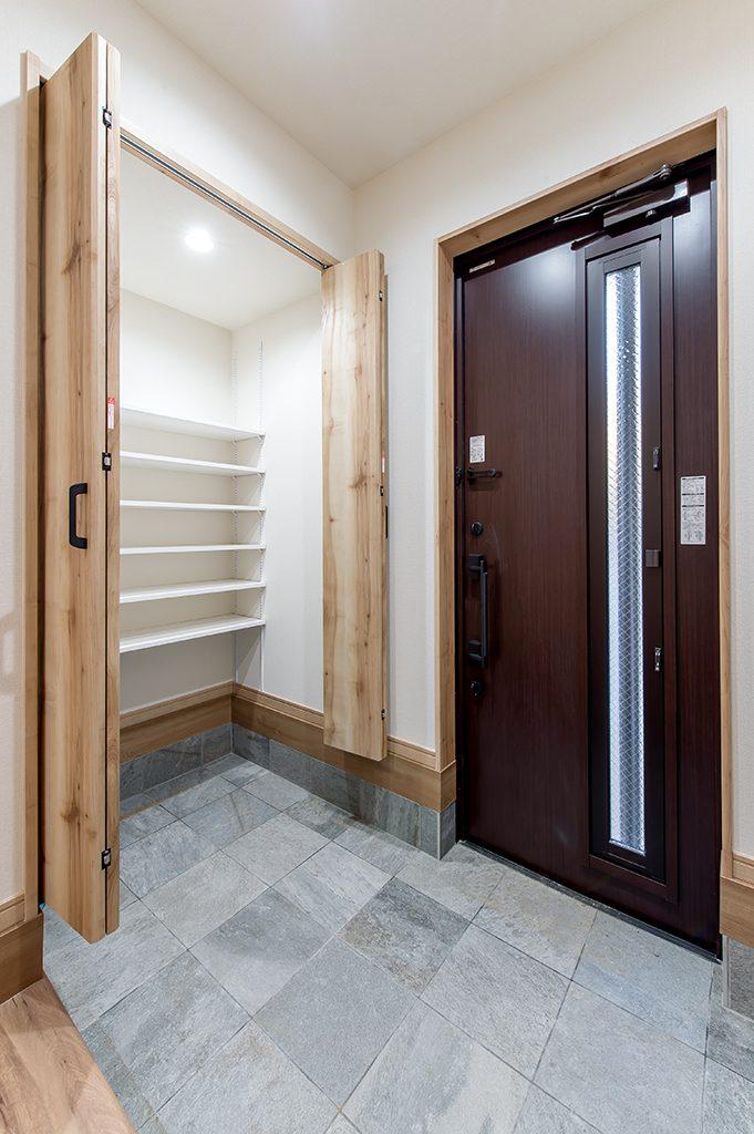 千葉県柏市あけぼの 新築一戸建て 玄関