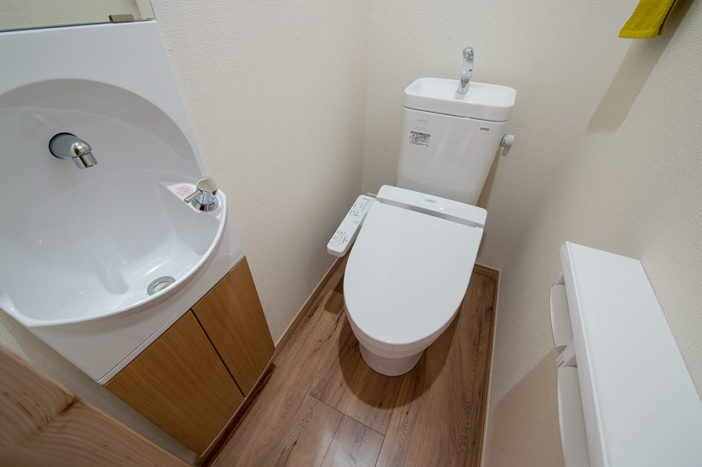 千葉県浦安市当代島 新築一戸建て トイレ
