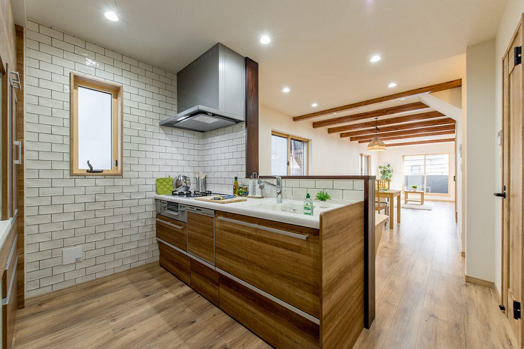 千葉県市川市市川南4丁目 新築一戸建て 対面式キッチン