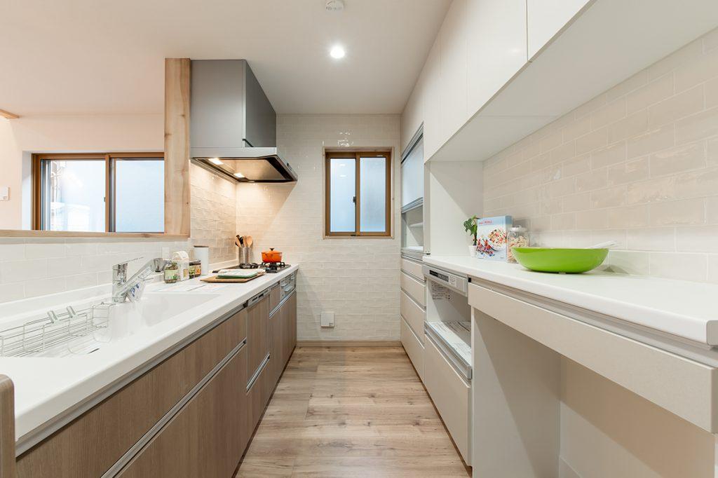 千葉県流山市西初石 新築一戸建て 対面キッチン