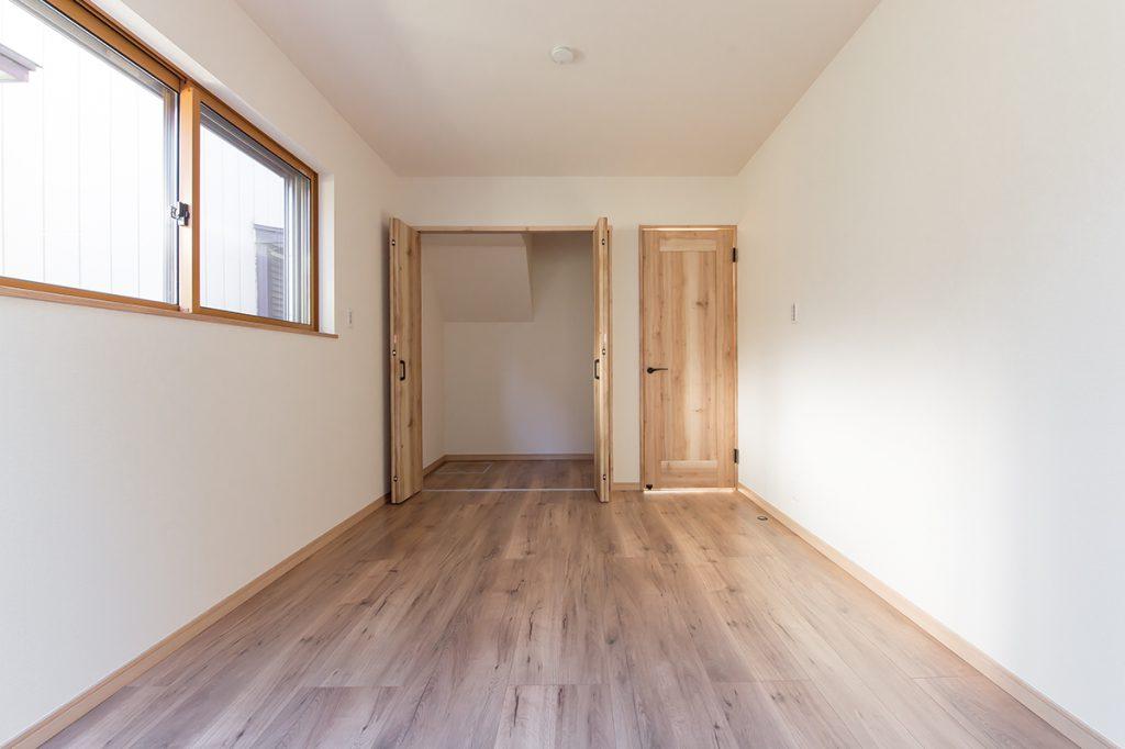 千葉県流山市西初石 新築一戸建て 1階洋室