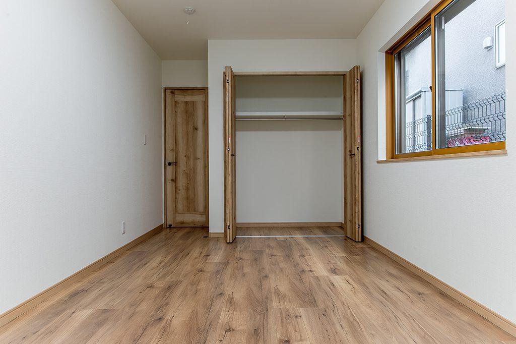 八千代市大和田新田 新築一戸建て 1階洋室