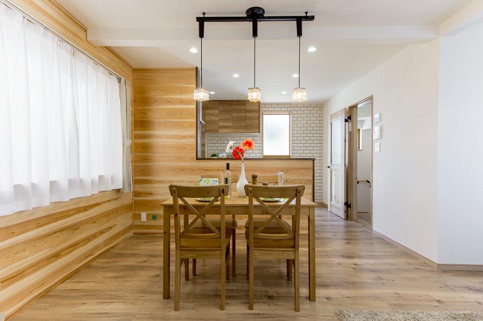 快適設備充実!開放的な2階リビングプラン採用の建売住宅 東平賀住宅