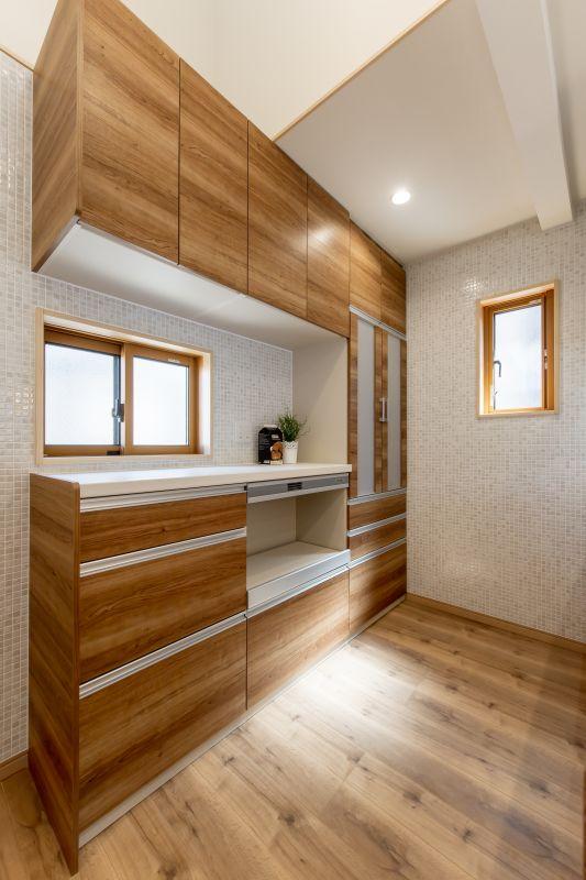 千葉県市川市 新田三丁目住宅C棟 一戸建て 施工実績06 キッチン収納