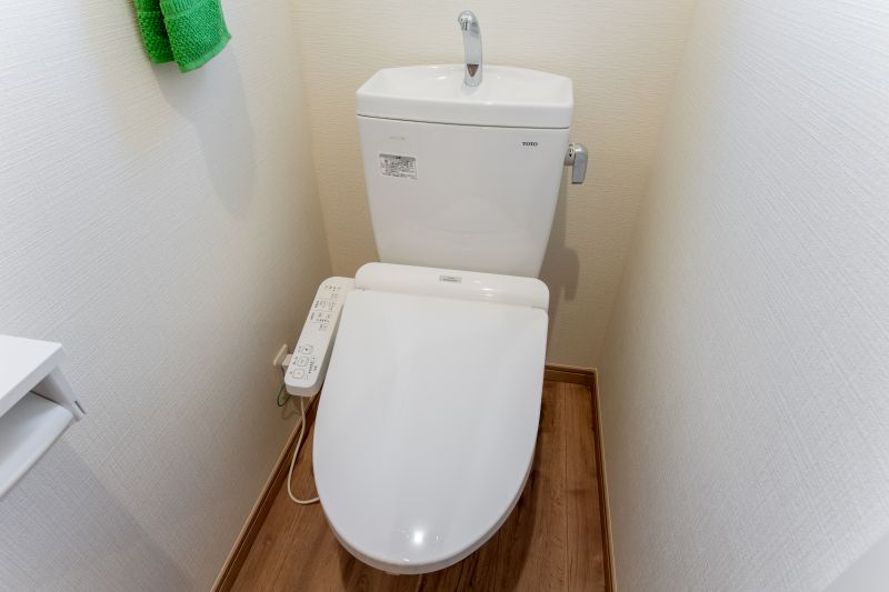 千葉市花見川区 南花園一丁目住宅A棟 施工実績 一戸建て 009 トイレ