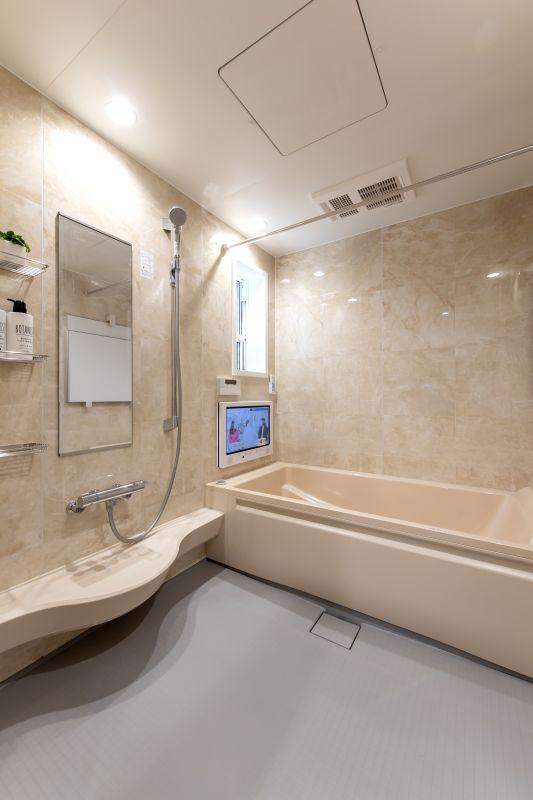千葉県市川市 新田三丁目住宅A棟 施工実績 一戸建て011 広い浴室