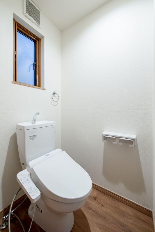 千葉市花見川区 南花園一丁目住宅A棟 施工実績 一戸建て 012 トイレ